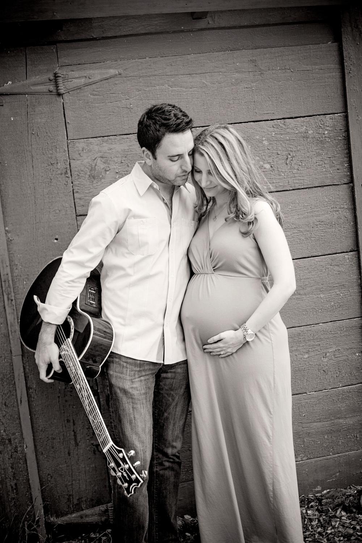 maternity-guitar-baby-bump-los-angeles.jpg