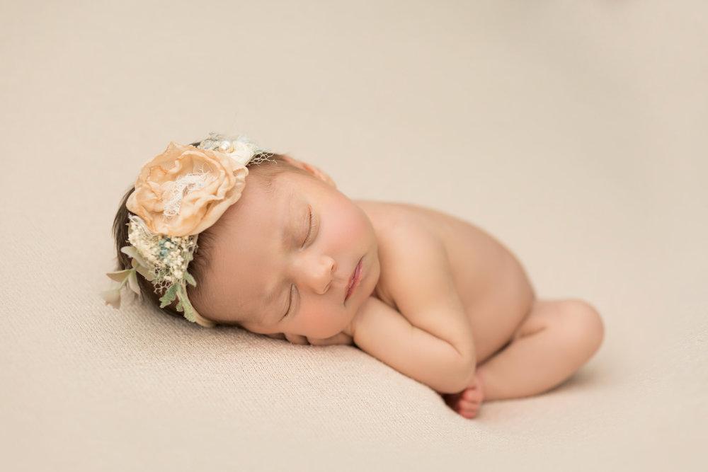 Anastasia-Newborn-Potraits-2018-05.jpg