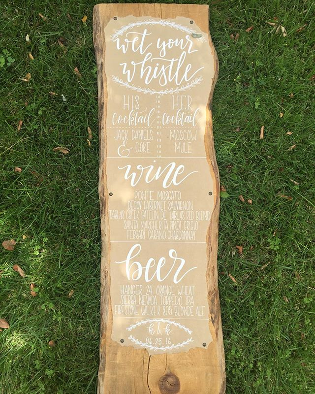 Looking through old photos and found this gem. Absolutely loved working with this couple on all their rustic details.🙌🏻 -- #weddings #weddingsignage #weddingcalligraphy #liveedgewood #whiteonkraft