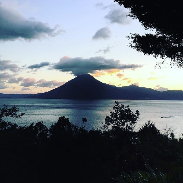 I am so grateful for this opportunity to live in paradise.  It's inspiring and nourishing my soul!  What is something you are grateful for?  #gratitude #gratitudejournal #gratis #thankful #thankyou #lakeatitlan #lagoatitlan #guatemala #guate #guatemalan #guatemalansbelike #justbreatheclt #justbreathe #naturephotography #nature #travel #traveler #travelblogger