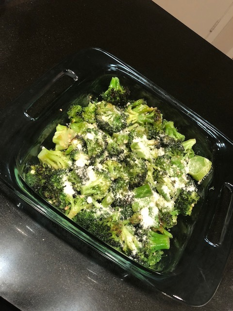 Easy Garlic Roasted Broccoli