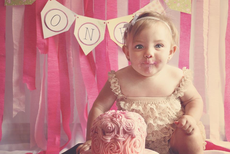 first-birthday-1073575_960_720.jpg
