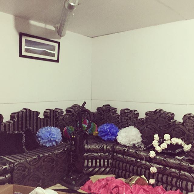 Voila! Our Baby shower Decor we put up last night for our client in her basement. With a little creativity, High Style Events can Turn any small space into a fun, party atmosphere!! Call/email us today and we'll take the stress and hard work off your next Event and make it a Fabulous one!!