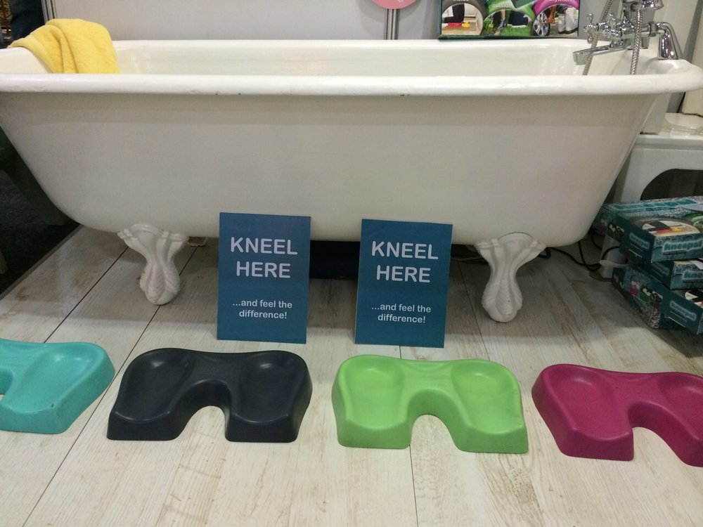 Don't let kneeling at bath-time take the fun out of this special bonding time with your children or grandchildren. KneePal is like kneeling on a bed of marshmallows - it's that great!