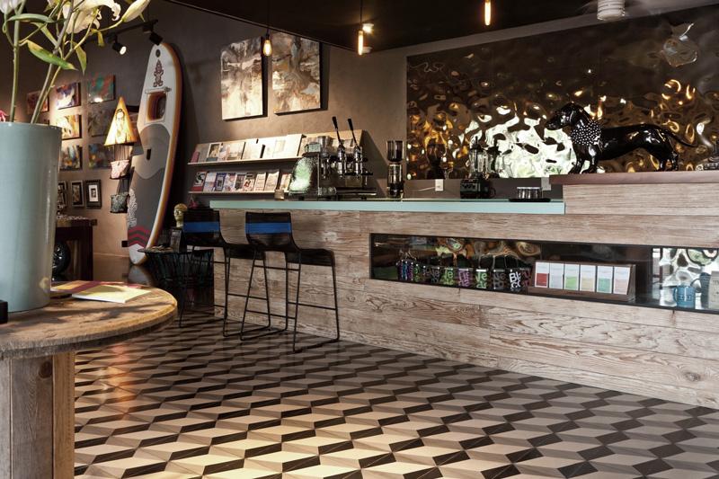 LOOT_Cafe.jpg