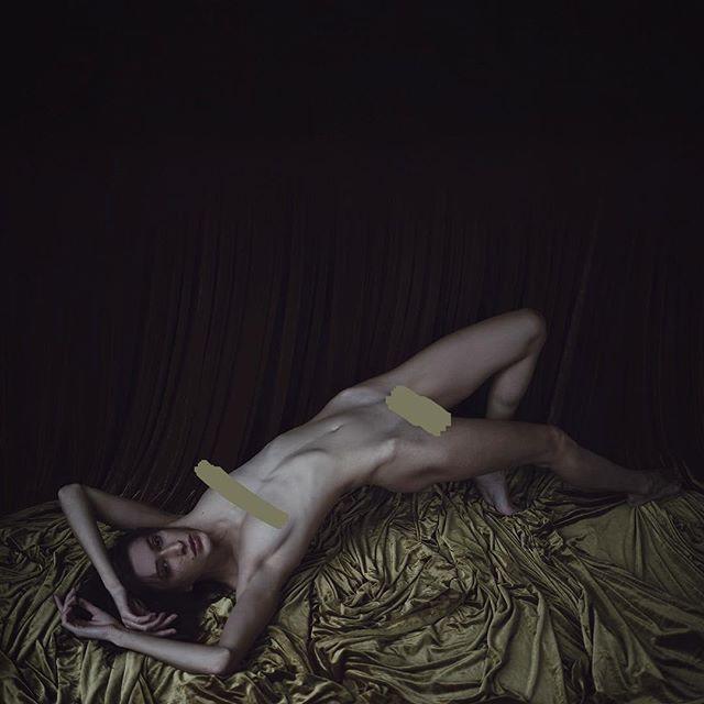 #ughclothes #naturallight @katesnig #art
