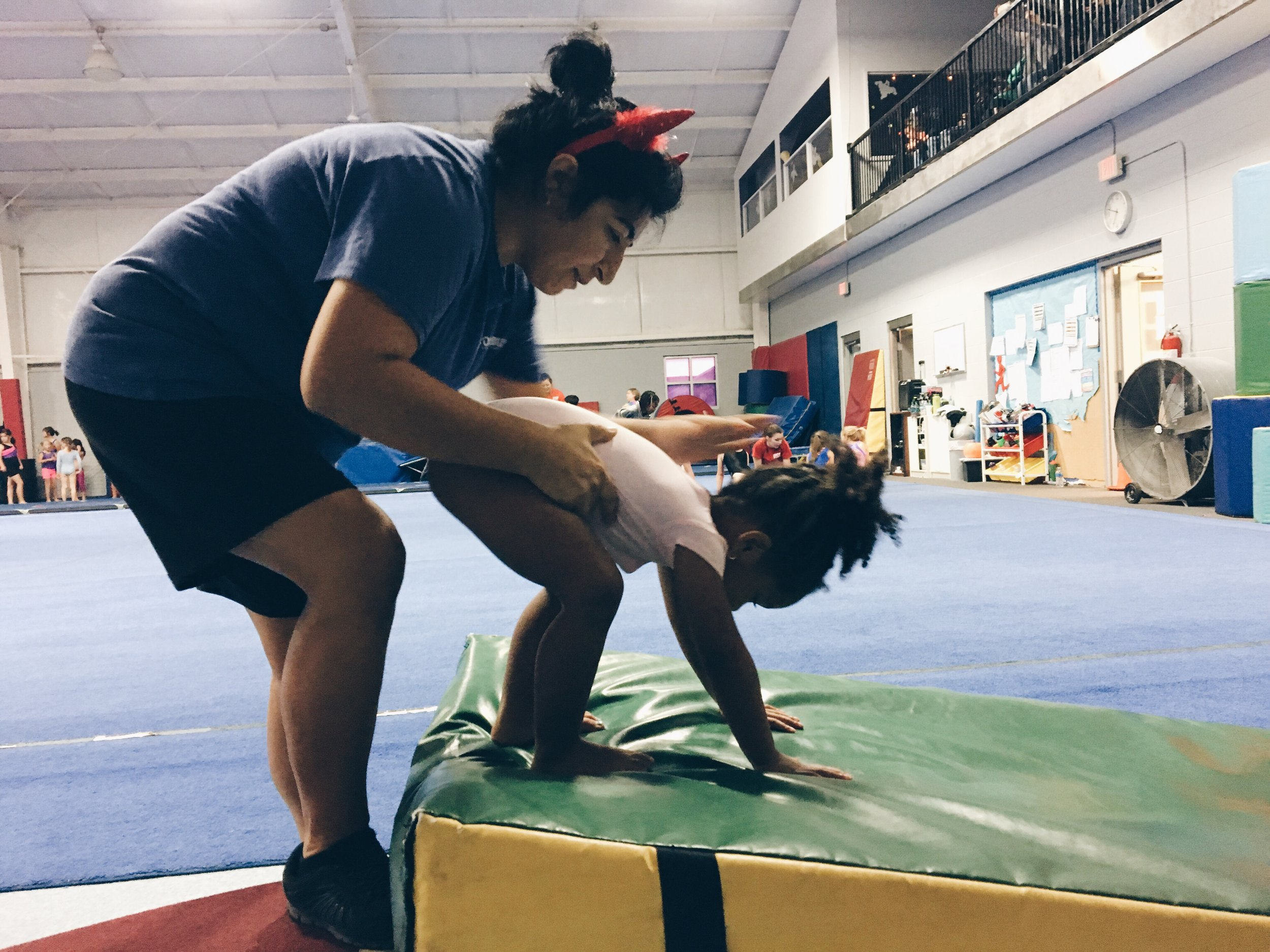 the advantages of extra curricular activities Joining a club or team is a fun way to try new things, meet people, and be active learn more about the basics and benefits of getting involved.