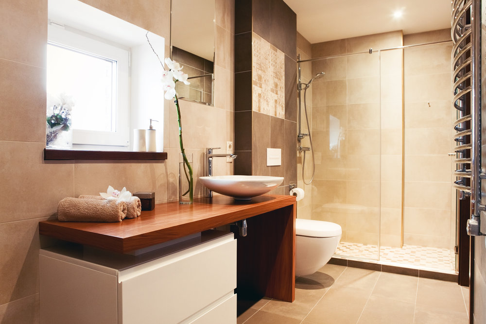 Modern touches added to this beautfiful bathroom.