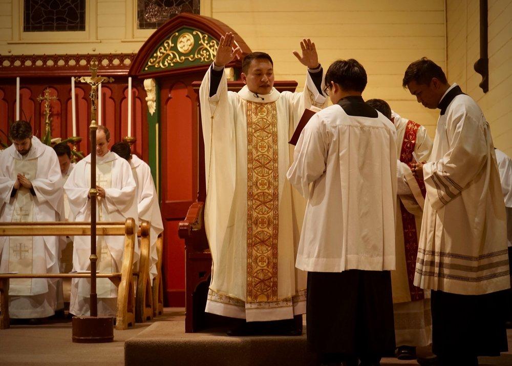 Fr Dean Bongat celebrates his first Mass at St Kilian's, Bendigo. Picture: Jaycee Napoles.