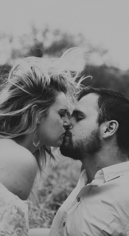 Wisconsin-Engagement-Photographer-15.jpg