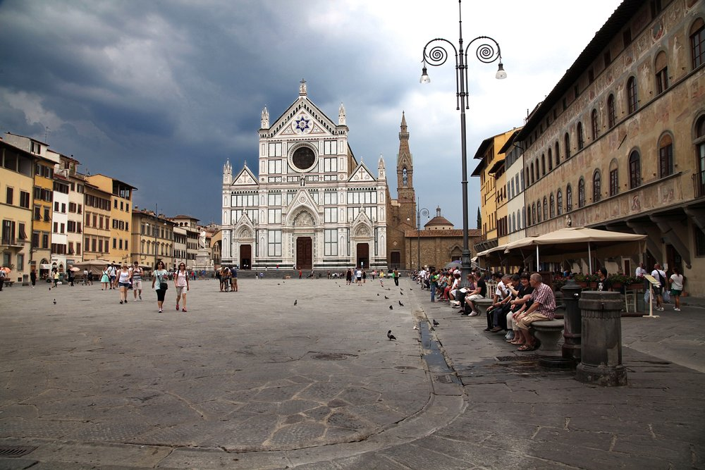 The church of Santa Croce in Florence, where several great figures of the Renaissance patronised by these families are buried, for example Machiavelli, Michelangelo and Galileo.