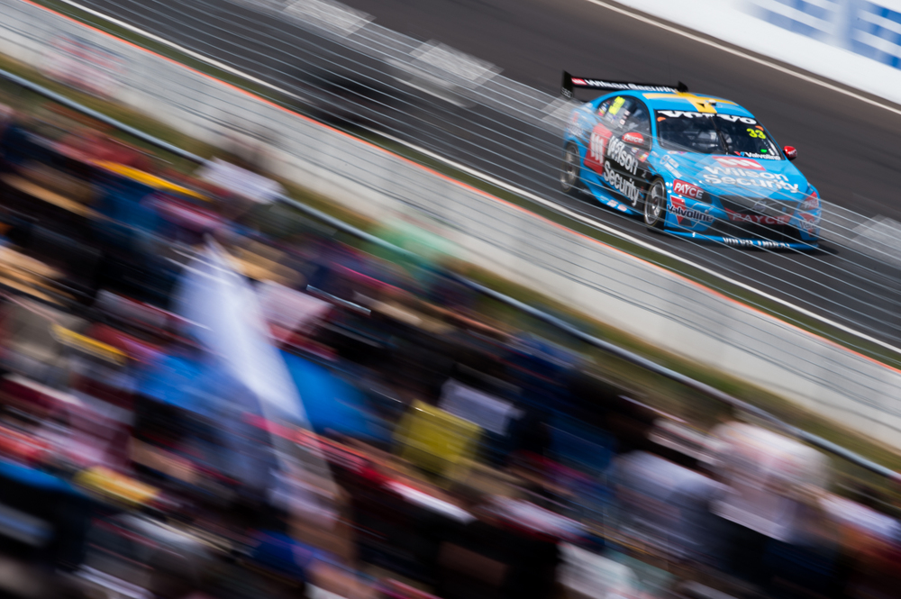 V8SCR10_BATHURST1000_DKIMG05623 LOW RES.JPG