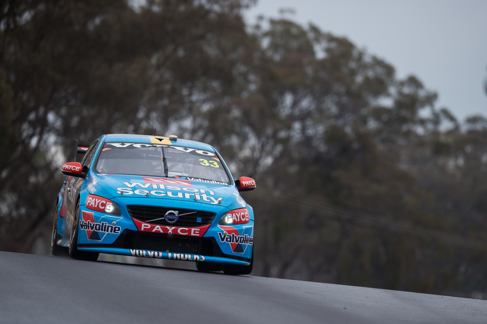 V8SCR10_BATHURST1000_DKIMG07137 LOW RES.JPG