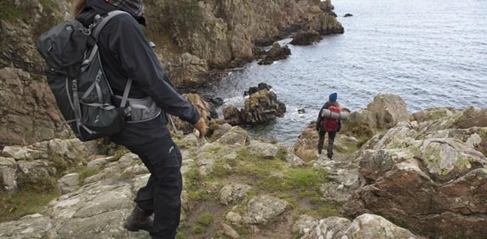 KULLALEDEN  Kullabergshalvön bjuder på vandringsupplevelser i världsklass. Slingrande stigar genom högstammig bokskog varvat med dramatiska havsvyer. nte konstigt att denna del av Skåneleden, som lokalt kallas för Kullaleden, är en av de första lederna i Europa som certifierats enligt nya Leading Quality Trails-standard.  Läs mer>>