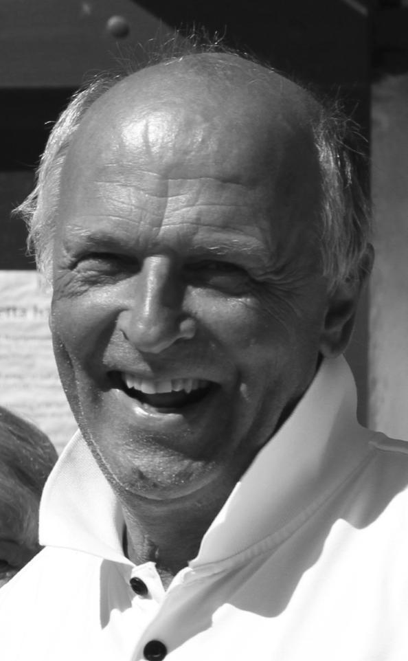 Klas Jörgensen  Medlem i klubben sedan 1958 och har sedan dess varit en stor resurs för vår verksamhet. Inte bara genom Klas styrelse och kommittéuppdrag utan även som huvudansvarig tävlingsledare vid SAS masters tour, Nordea tour, Lag-SM, Skandia tour och klubbens seriespel mm.