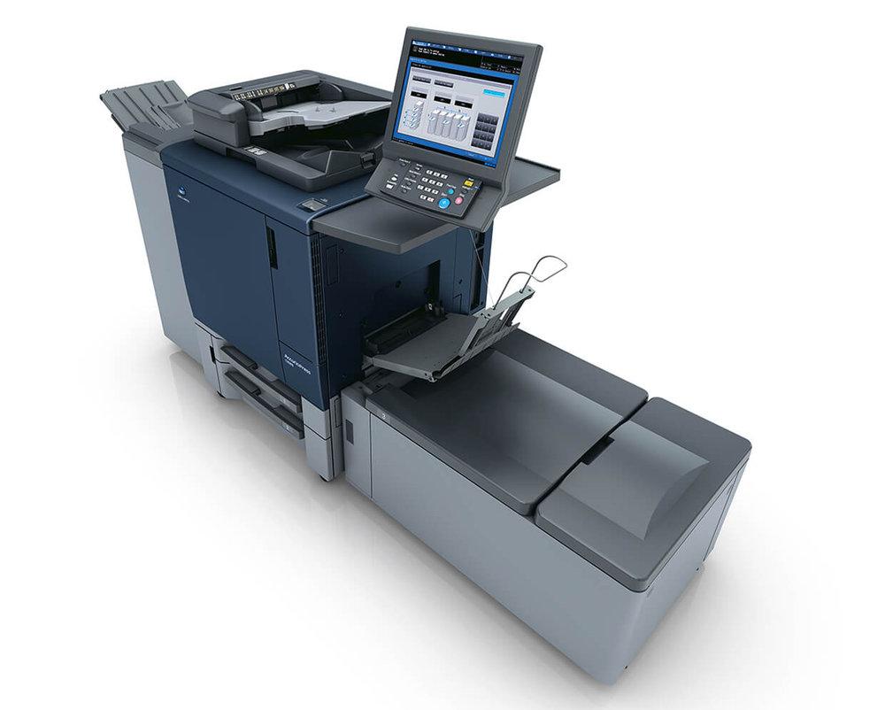 für 6- und mehrseitige Folder bis 120cm - Wir freuen uns, nun den häufig geäußerten Kundenwunsch nach 6- oder 8-seitigen, 4/4-farbigen Foldern auch in kleinen Auflagen erfüllen zu können.Bis zu 120cm lange Banner mit einer Höhe von 33cm und einem Grammgewicht von maximal 350g/m²sind bedruck- und weiterverarbeitbar.Damit ist ein Druckformat möglich, welches auch von einer HP Indigo Bogenmasachine bei weitem nicht erreicht wird.