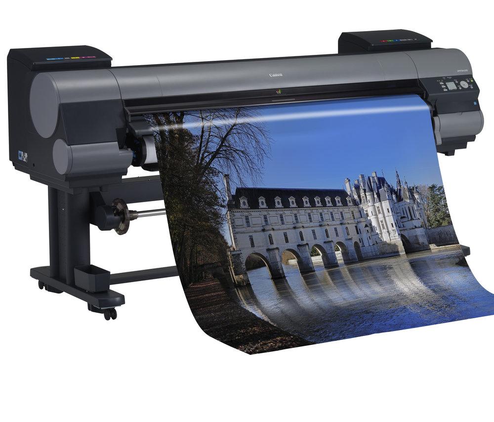 """Fotoqualität """"ganz-groß"""" - Das Angebot von CCS wird weiter verbreitert – hier im wahrsten Sinn des Wortes:Canon IPF9400 – ein 152cm breiter, wasserbasierender Pigmentdrucker von Canon mit einer Auflösung von bis zu 2.400 x 1.200dpi stellt qualitativ alle Ansprüche zufrieden. Damit können auch Sonderformate und über A0 hinaus anspruchsvoll und kostengünstig gedruckt werden."""