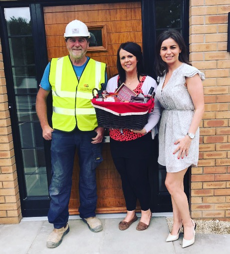 Pictured: Seamus Sands, S E Contracts, Homeowner, Joanne and Naomi Traynor, Sales Negotiator, Lotus Homes