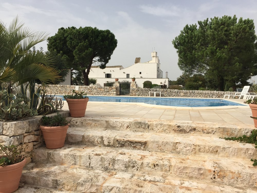 The Masseria Della Zingara and swimming pool