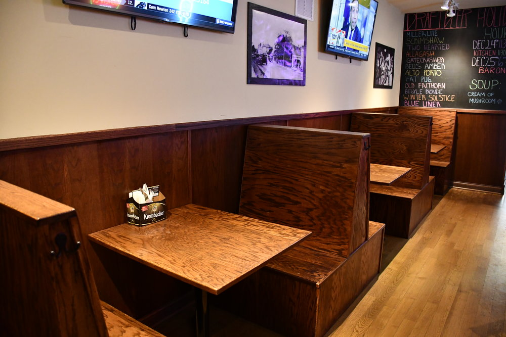 Marquette Kitchen & Tap : Dining Area.JPG
