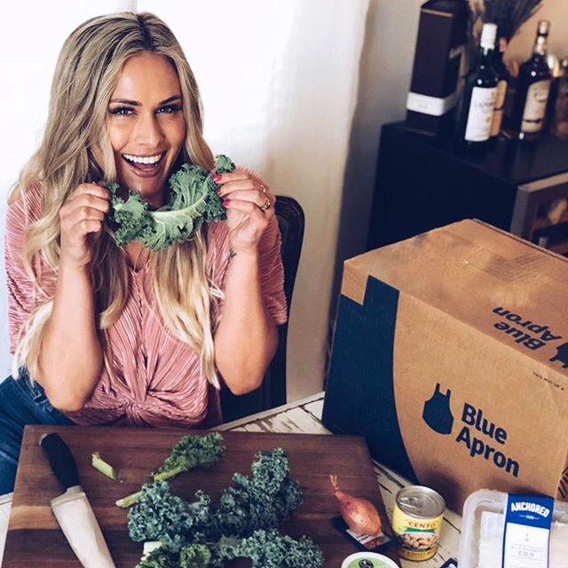 """Blue Apron makes every plate a happy plate! I have tried multiple food home delivery companies and this @blueapron is BY FAR my fav. _____ 3 healthy meals that my hubs and I picked out were delivered right to our door. We are really trying to eat healthy, so Blue Apron is perfect bc they personalize your menu based on your diet restrictions, while making it delicious. _____ Order now and get $50 off! $25 off first purchase and $25 off of the second. Visit the link in my caption 👇🏽and story for $25 off 1st & 2nd box: http://blueapron.com/caro"""" #blueapron #partner"""