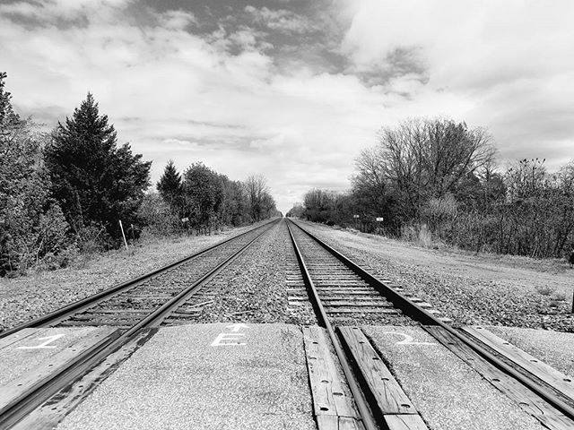 Moorheadville Road railroad tracks. #northeast #northeastpa #pickers #winecountry #grapecountry #railroad #tracks #blackandwhite #danieljsmithphotography #samsungs7edge #androidphotography
