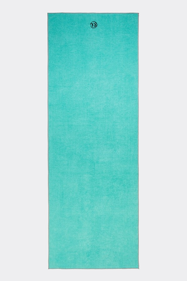 Best for in the City/around London - Yoga Studio Premium Towel Mat £24.95No need for a yoga mat when catching classes in the city as all London studios provide mats. However, for hygiene always pack a towel to go over the studio mat. This one rolls up and fits neatly into a small bag. It's eco-conscious too - made from no fewer than 8 recycled plastic bottles and over 50% recycled fibre content. Free from AZO, lead, and heavy metal dyes to boot!