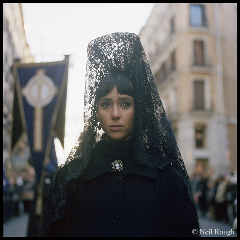 02. Madrid Parade Girl.jpg