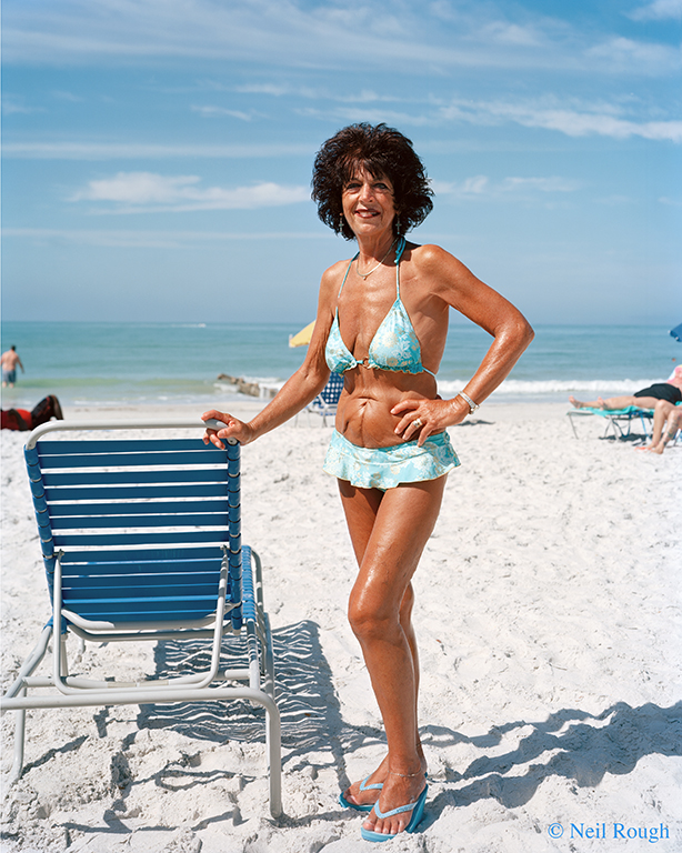 FL St Petersburg Beach Black Haired Woman 2014.jpg
