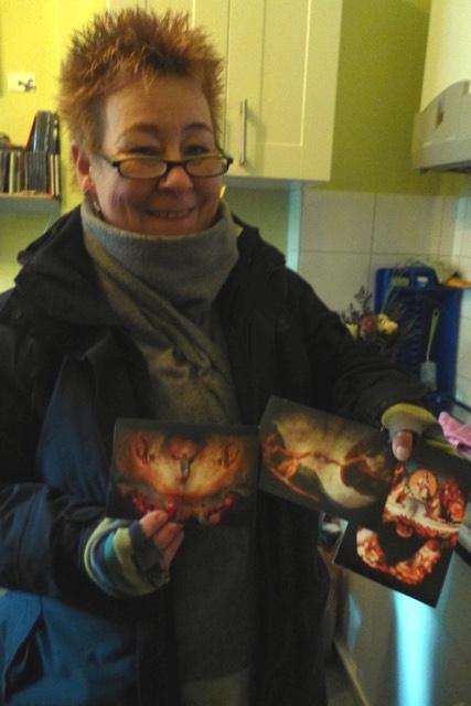 Eine der ersten glücklichen Kundinnen mit drei Motiven ihrer Wahl