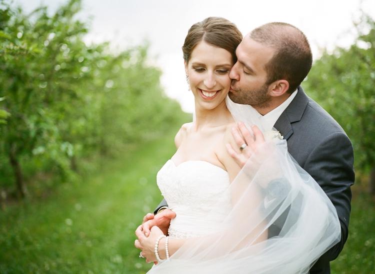 Cleveland-Ohio-Outdoor-Farm-Wedding_0037.jpg