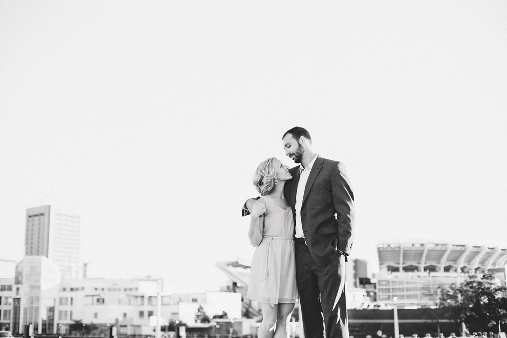 East 9th Pier Downtown Cleveland Engagement_0003.jpg