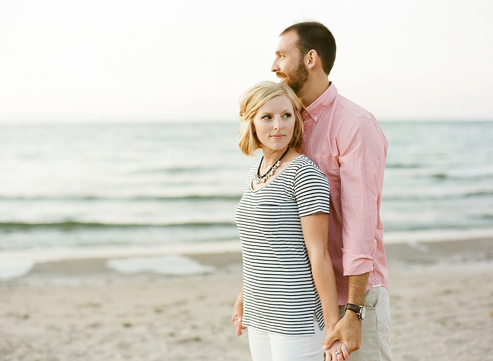 East 9th Pier Downtown Cleveland Engagement_0011.jpg