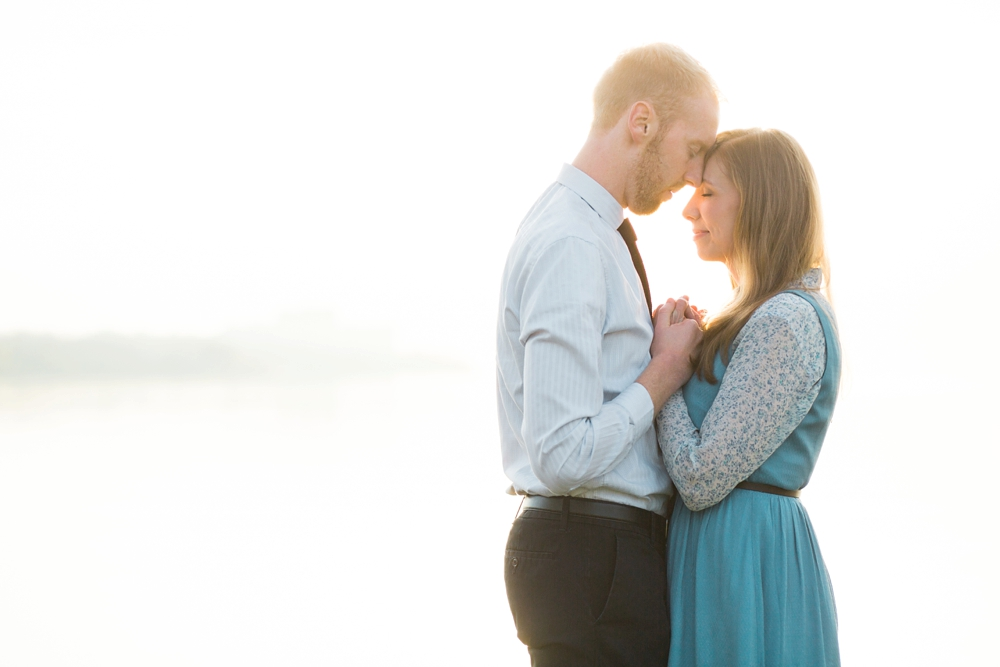 Edgewater Beach Cleveland Engagement Photos_0010.jpg