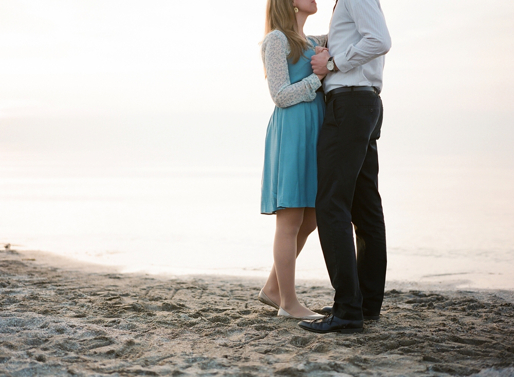 Edgewater Beach Cleveland Engagement Photos_0011a.jpg