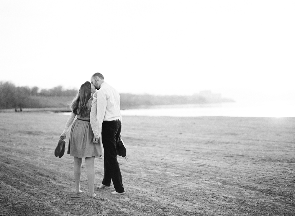 Edgewater Beach Cleveland Engagement Photos_0012.jpg