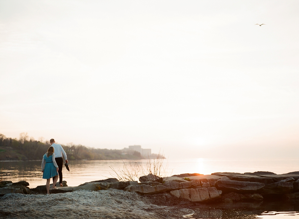 Edgewater Beach Cleveland Engagement Photos_0014.jpg