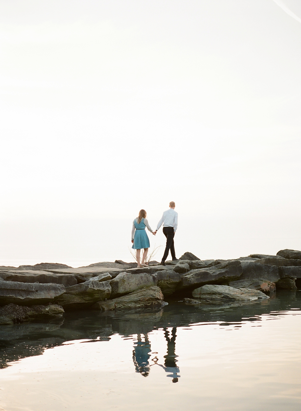 Edgewater Beach Cleveland Engagement Photos_0016.jpg