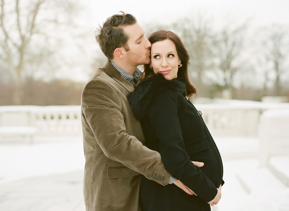 Winter Cleveland Art Museum Maternity Photos_0012.jpg