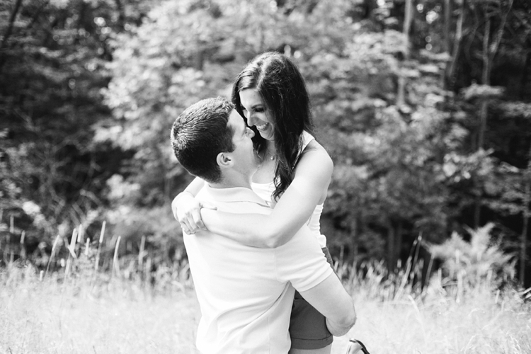 Bay Village Ohio Huntington Reservation Engagement Photos