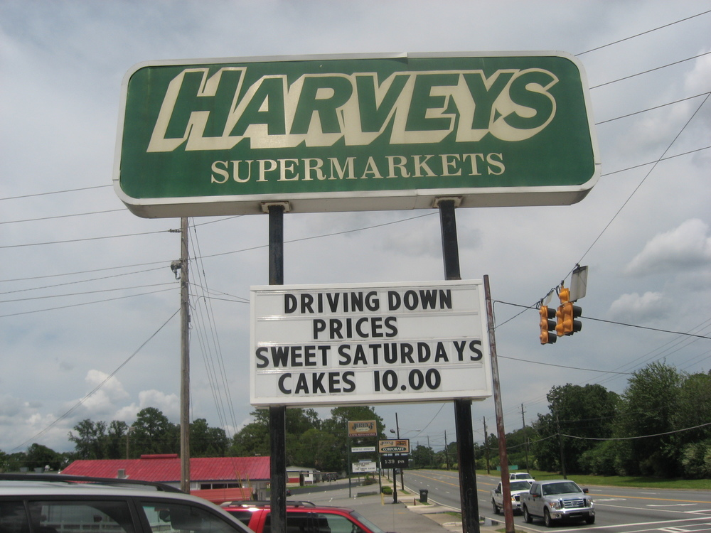 HarveysWaycross2.JPG