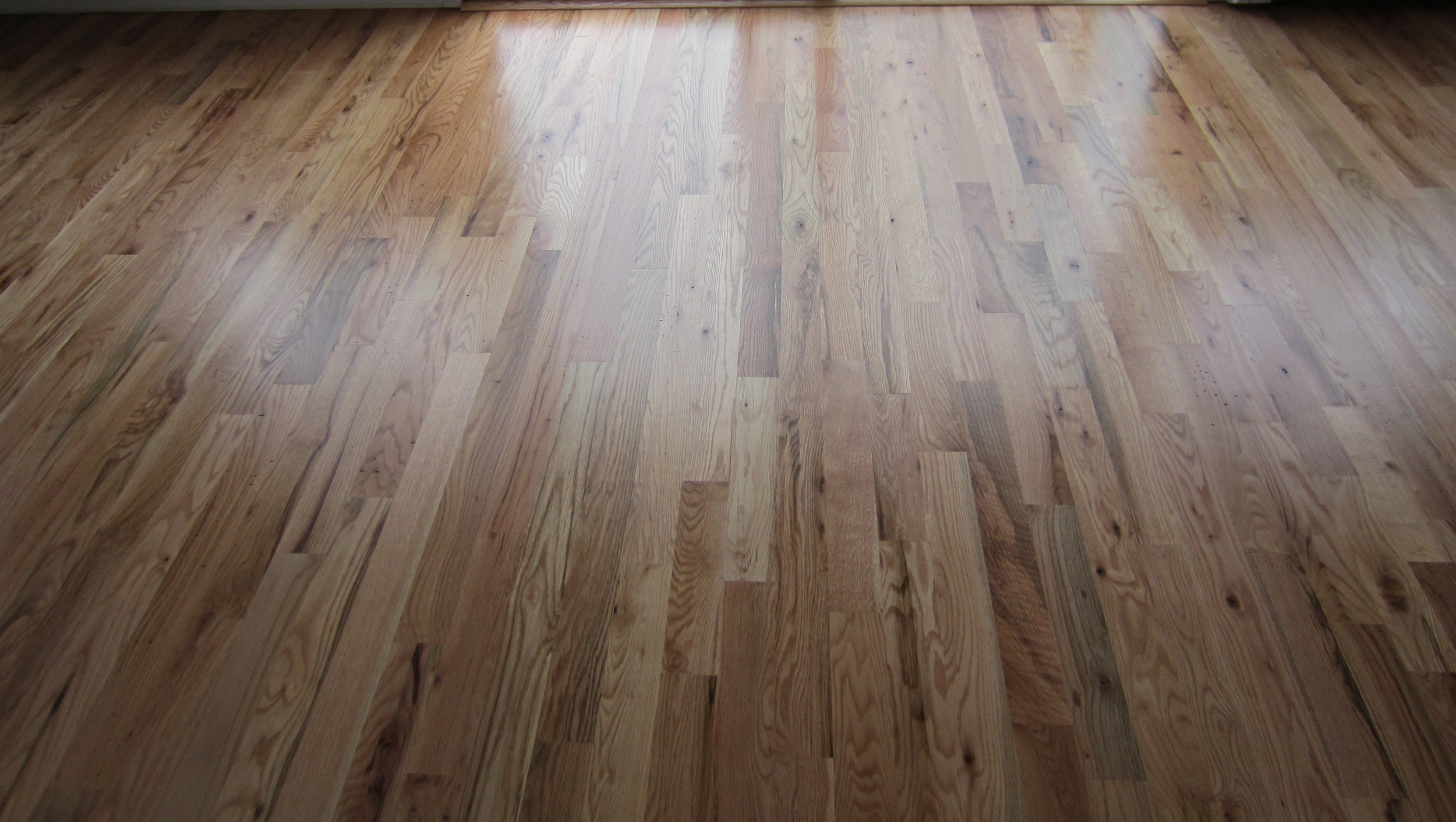 Red oak vs white hardwood flooring which is better