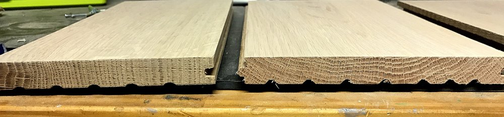 A Quarter Sawn board on the left, with growth rings perpendicular to the face of the board, while on the right is a Plain Sawn board, which exhibits growth rings parallel to the face of the board.