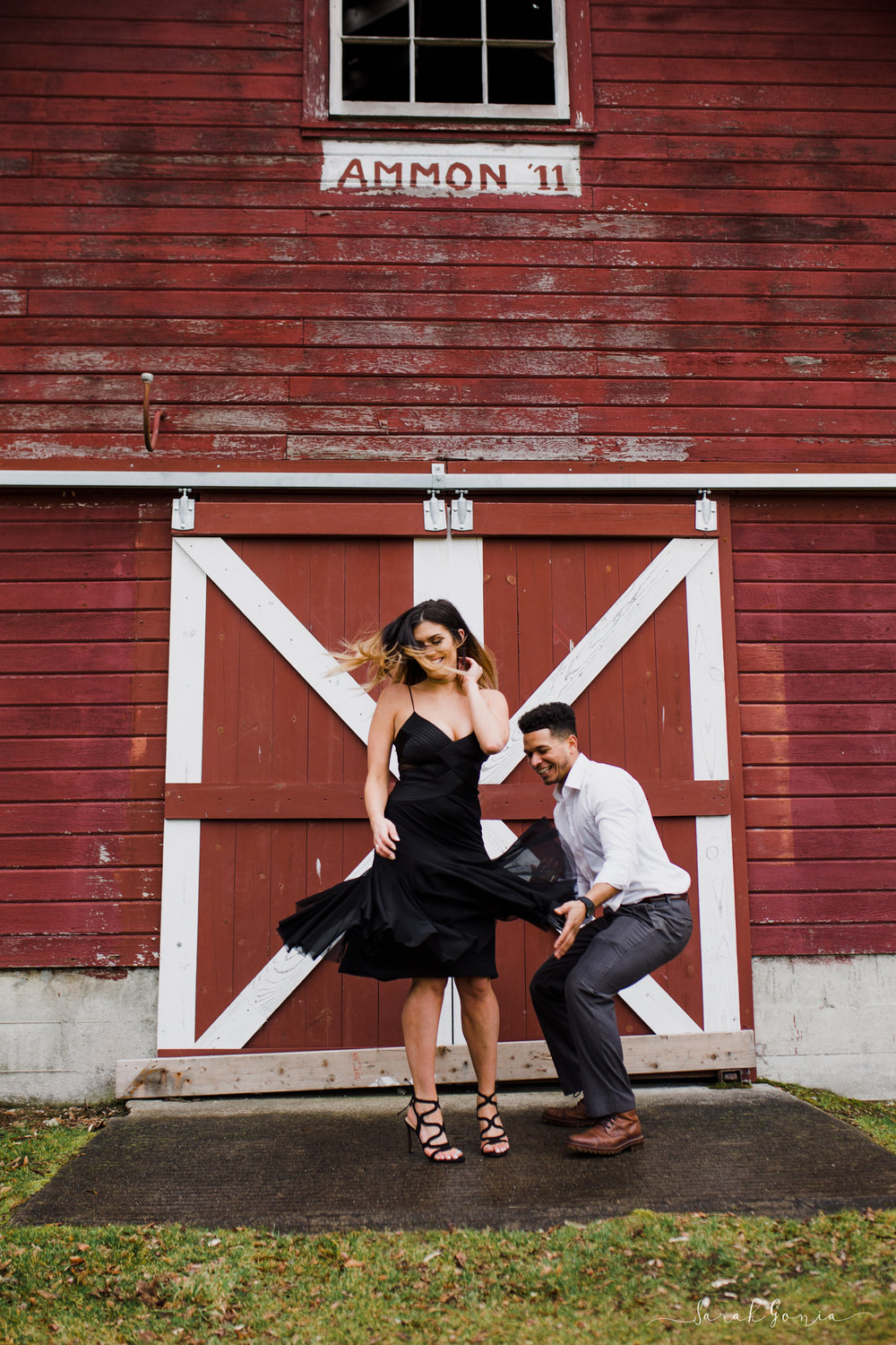 Olympia Photographer Engagement, Love Stories and Weddings Barn