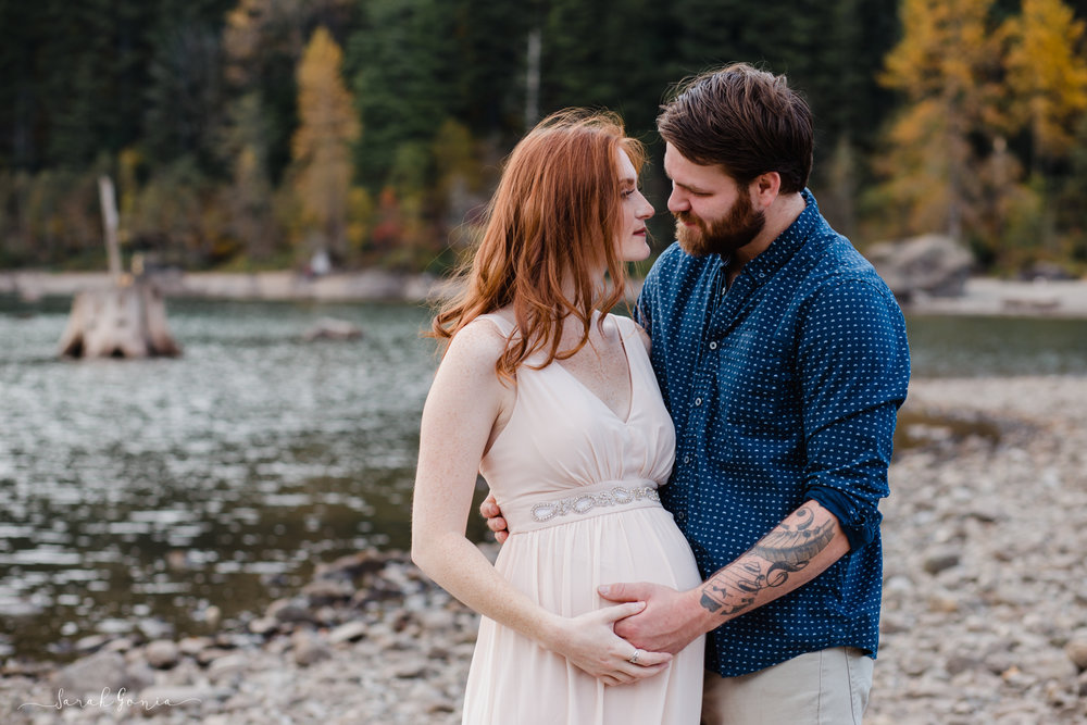 Rattlesnake Lake Couple | North Bend Maternity Photographer