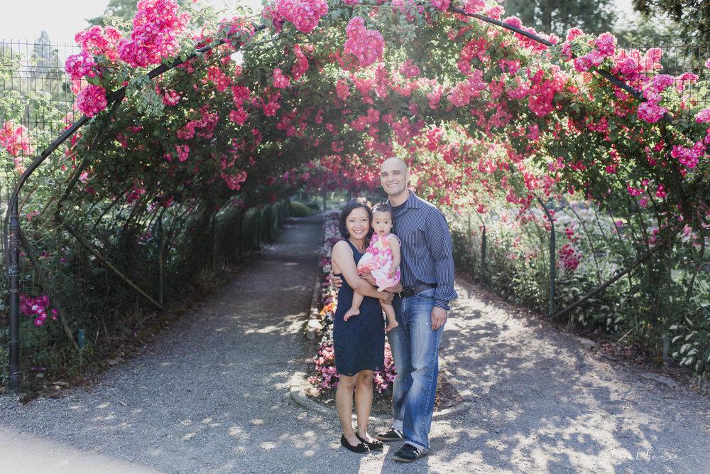 Pt. Defiance Rose Garden Portraits | Tacoma Portrait Photographer