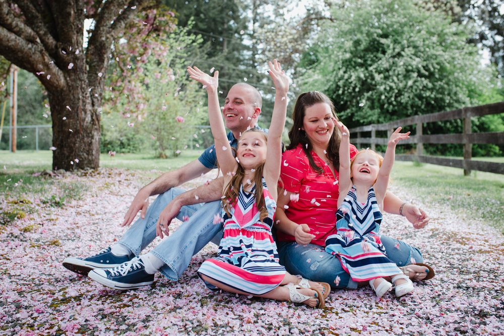 Spring Family Portraits | Olympia Photographer