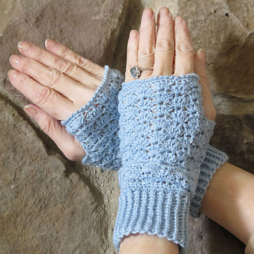 Thistle stitch texting gloves