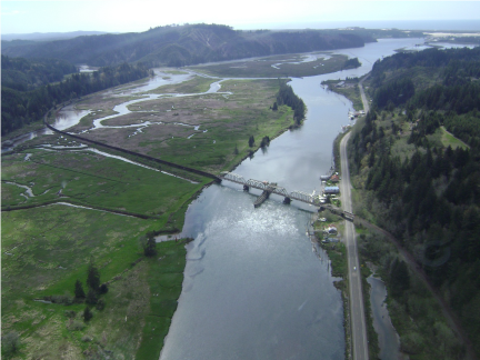 Swing Span bridge over siuslaw river