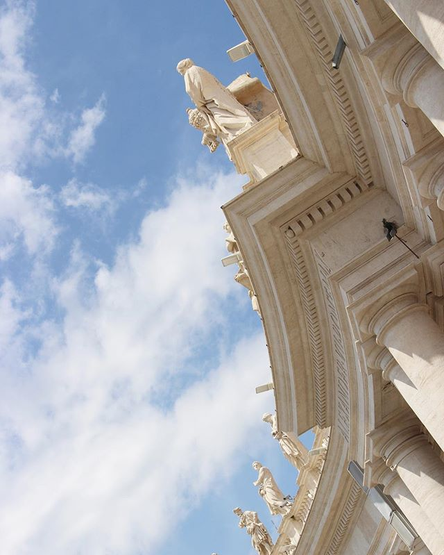 Vatican City. . . . . #CityBreak #Vatican #VaticanCity #ExploreItaly #Rome #Roma #ItalianArchitecture #ItalianHistory #ItalianArt #EuropePhotography #Canon700d